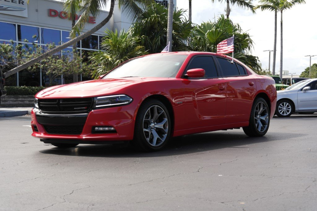 2017 Dodge Charger >> Pre Owned 2017 Dodge Charger R T With Navigation
