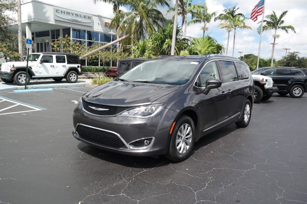 Certified Pre Owned 2019 Chrysler Pacifica Touring L