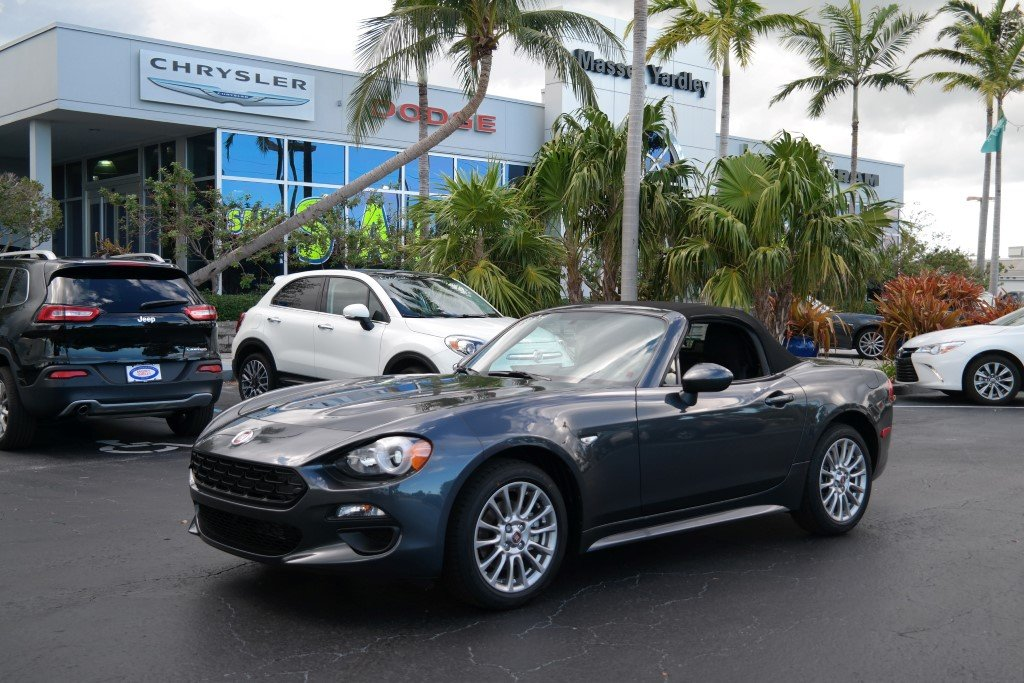 new 2018 fiat 124 spider classica convertible in plantation 58004 massey yardley chrysler. Black Bedroom Furniture Sets. Home Design Ideas