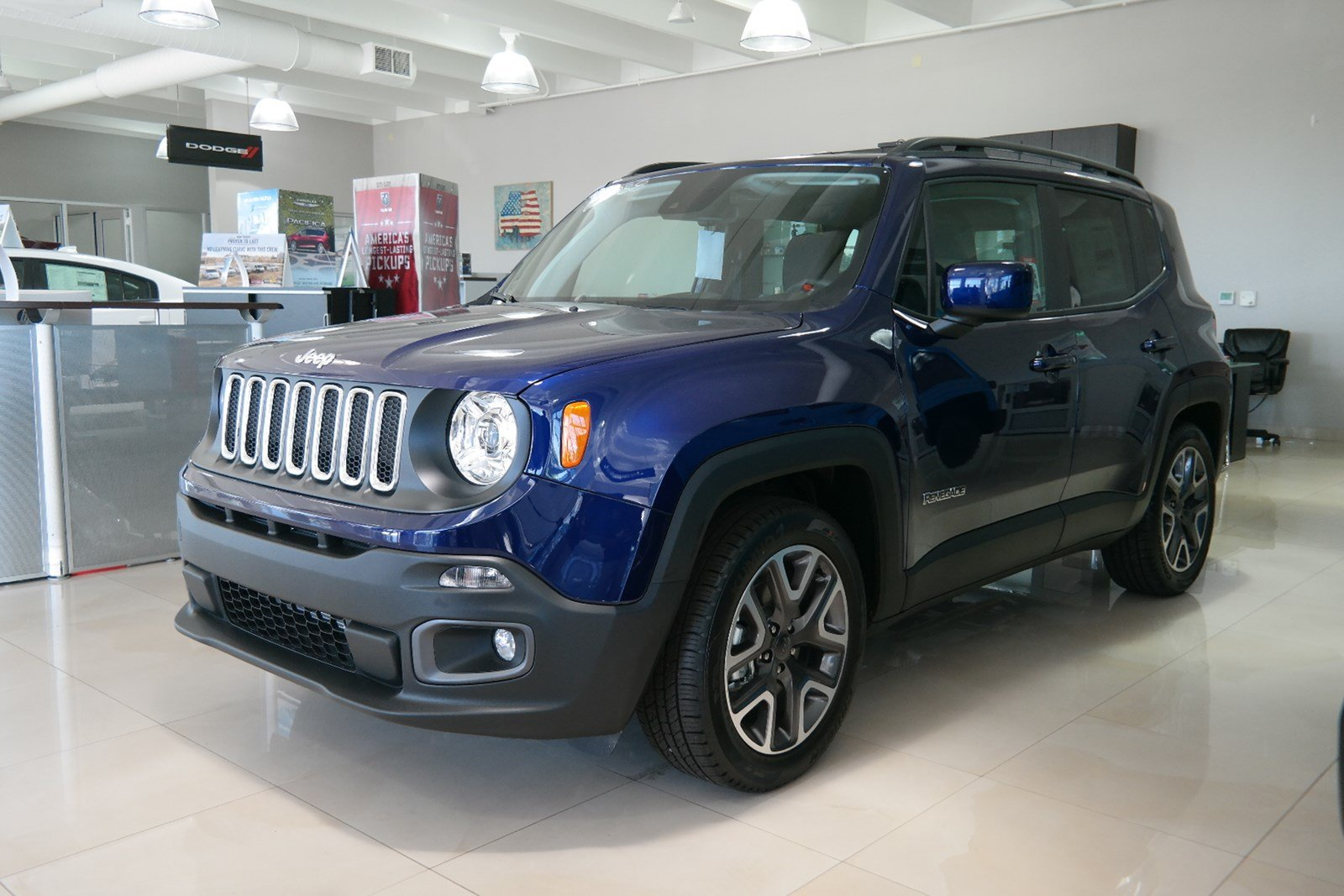 Certified Pre Owned 2018 Jeep Renegade Laude